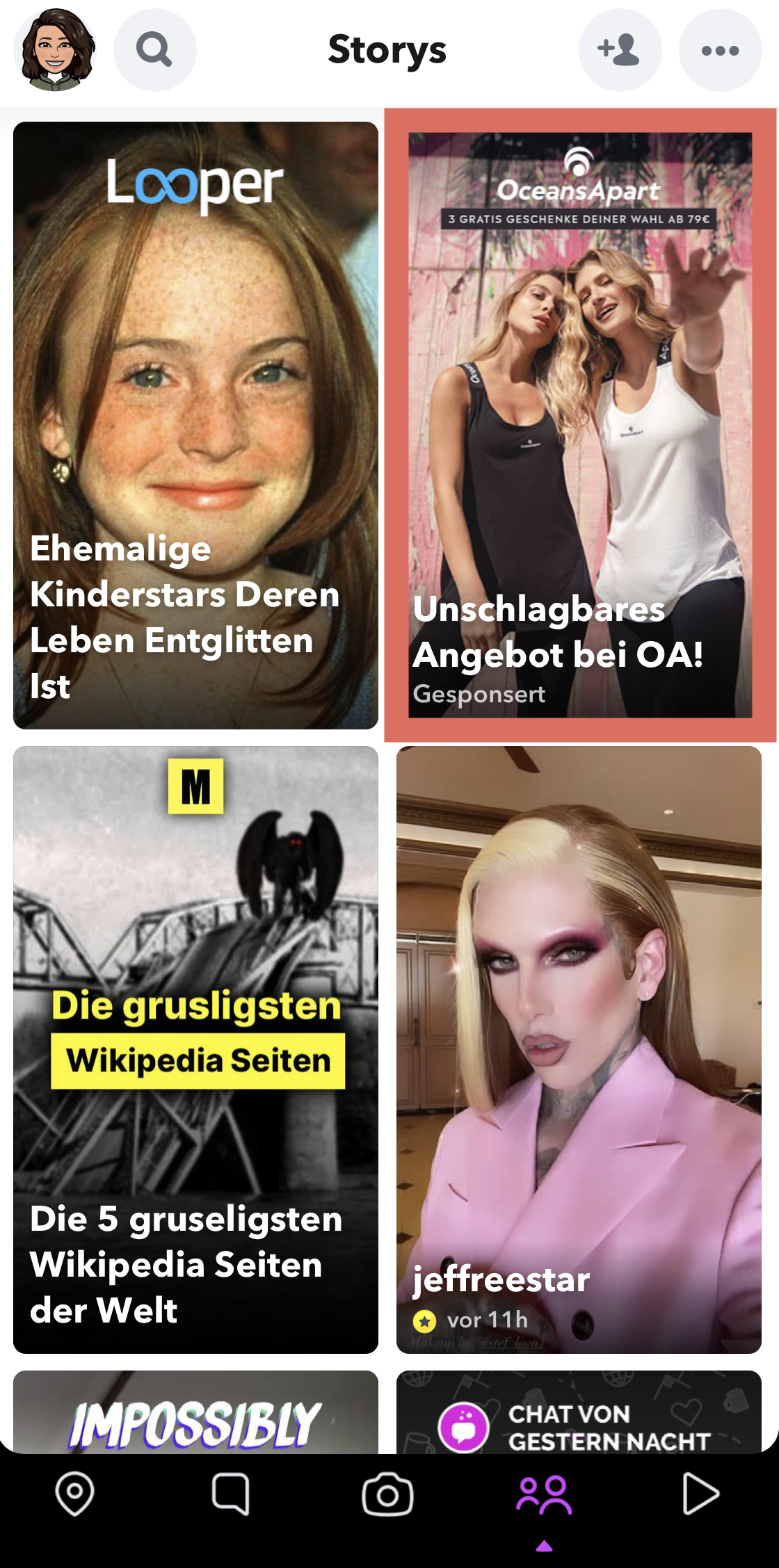 """Zu sehen ist ein Beispiel einer Snapchat Werbeanzeige im """"Entdecken""""-Bereich der Plattform (rot markiert)"""