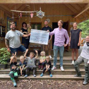 eology unterstützt den Volkacher Waldkindergarten mit einer Spende von 1.000€